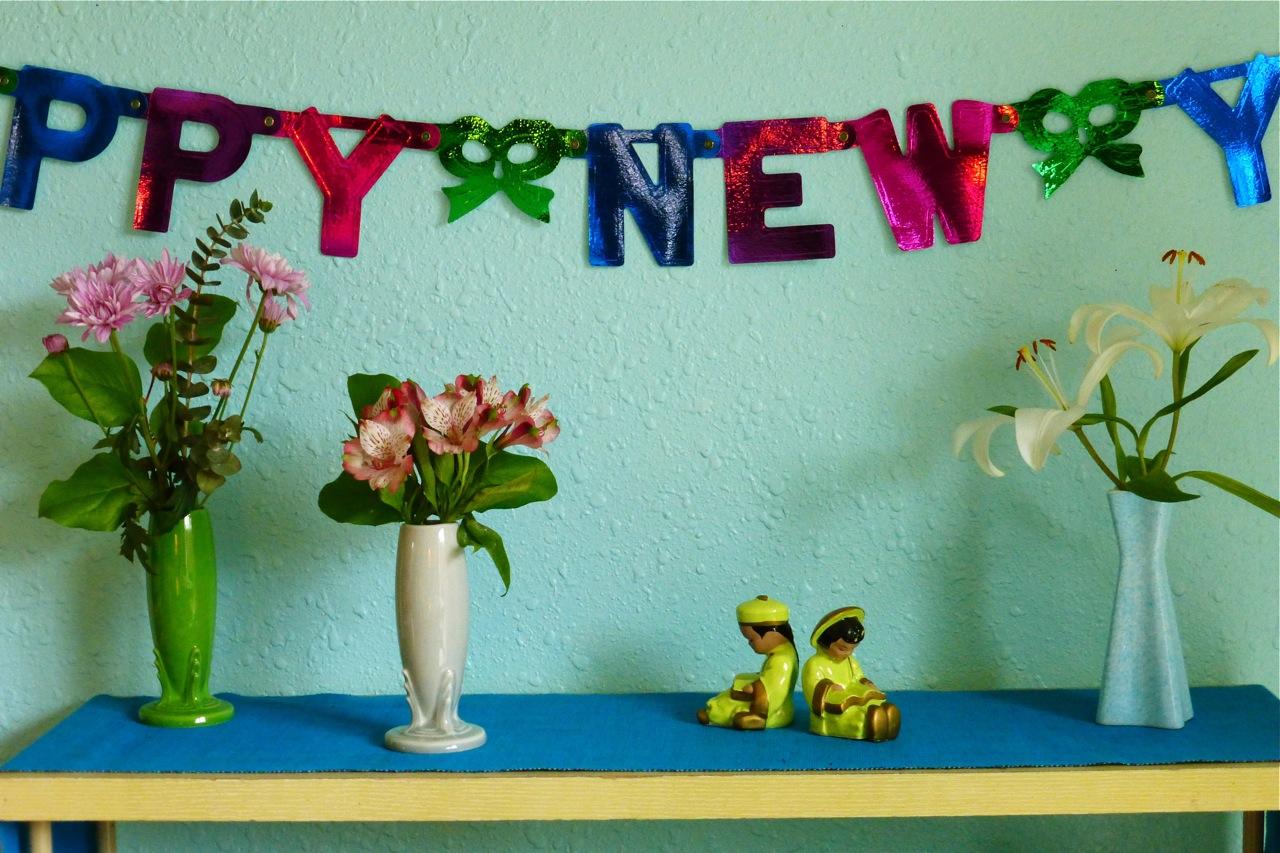 Happy New Year, Fiestaware bud vase, Fiestaware Shamrock bud vase, Fiestaware Pearl Grey bud vase, vintage salt and pepper shakers, fresh flowers