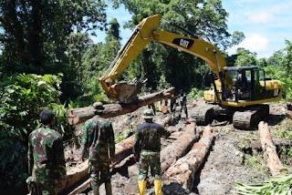 394 Prajurit TNI AD Bangun Jalan di Provinsi Papua