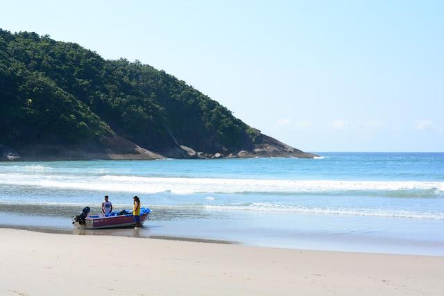 Barqueiros na Praia de Martim de Sá