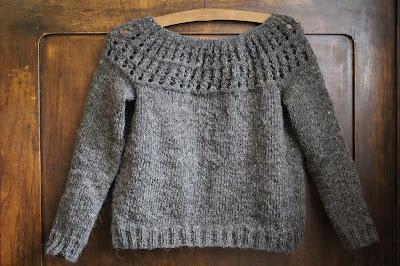 Wełniany sweterek