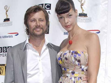 'Melrose Place's' Grant Show marries Katherine LaNasa ...