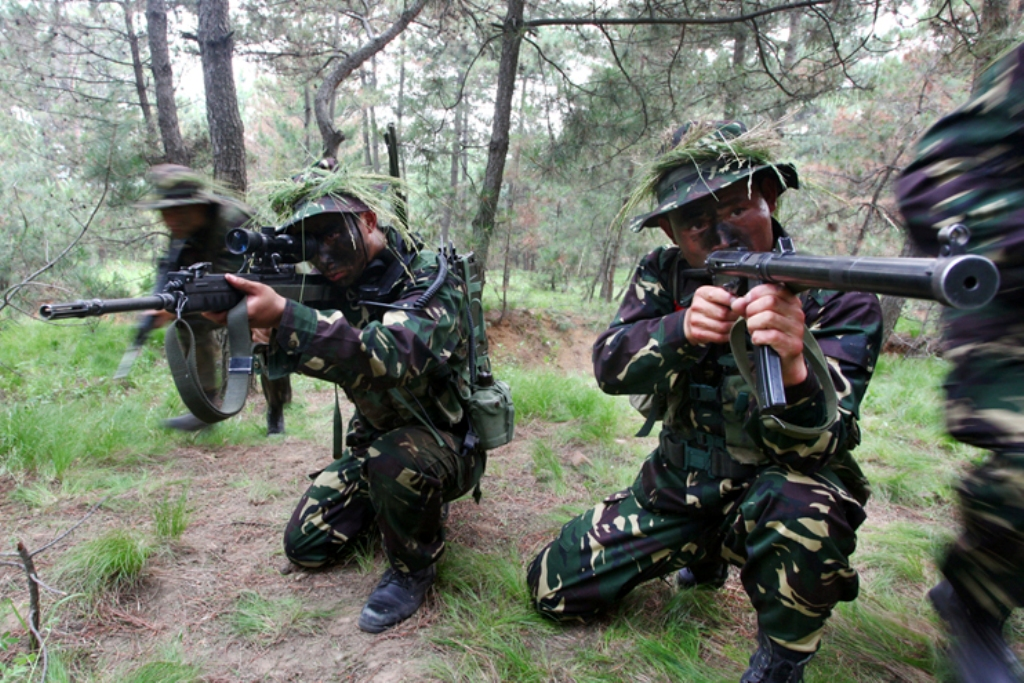 Snipers of People's Liberation Army Special Operations ...