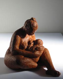 Style figuratif : une mère et son nourrisson