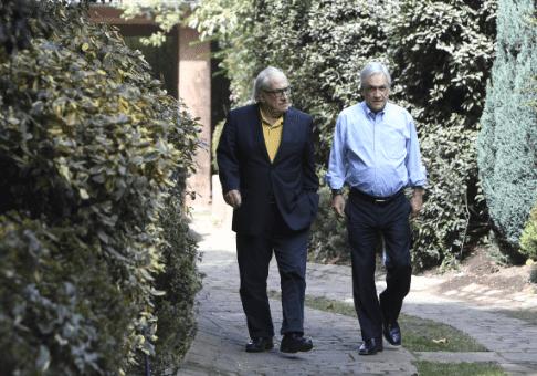 Piñera desiste de nombrar a su hermano embajador en Argentina