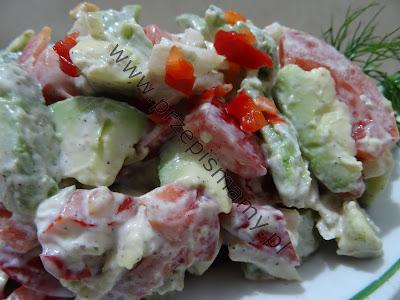 Sałatka z awokado pikantna