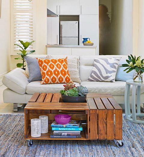 mesa centro sala pequena reutilizar caixotes de madeira
