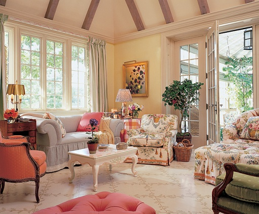 Cozy English And World Styled Sitting Room With: New Home Interior Design: English Countryside