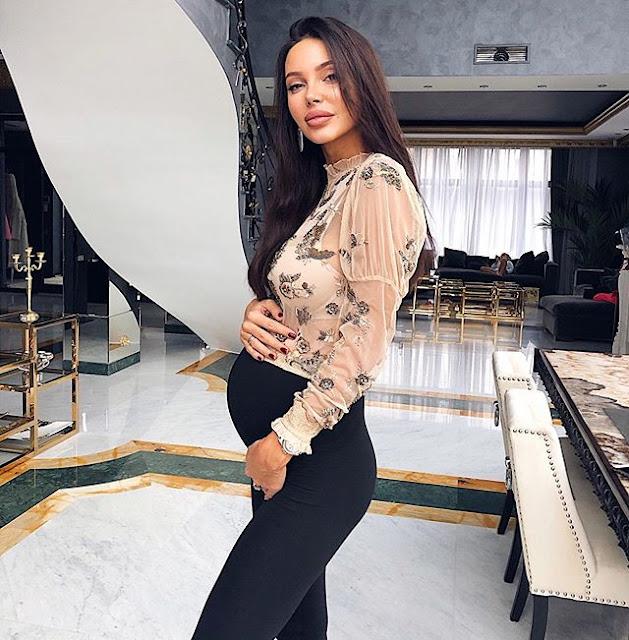 Oksana Samoylova Photos