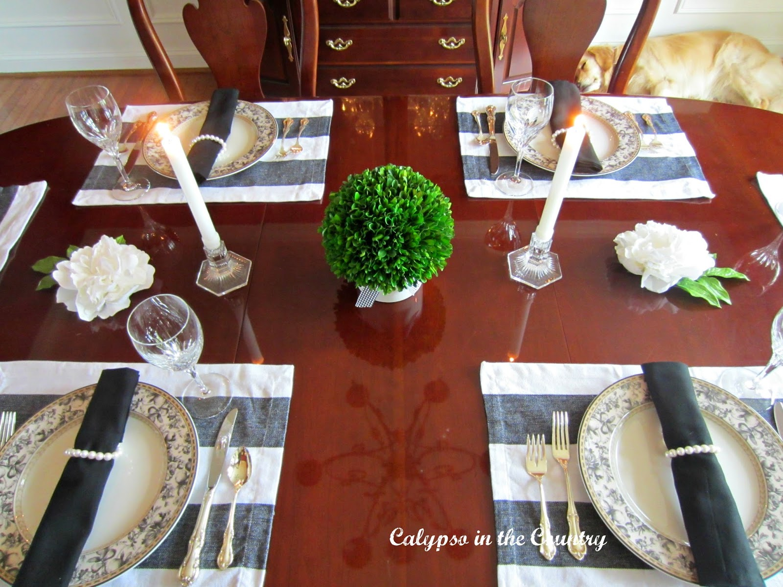 Black and White Formal Table - Jackie Style