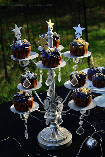 star themed cupcakes