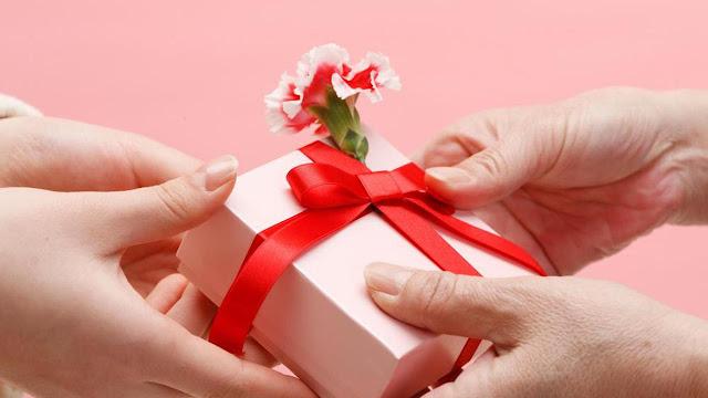 Daftar Kado yang Dibeli Orang RI saat Hari Valentine, Apa Saja?