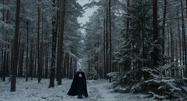 o filme Agnus Dei é uma obra francesa dirigido por Anne Fontaine e tem uma fotografia bonita em contraste da sua triste história que se passa durante a segunda guerra mundial