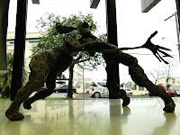 """Fábio Purper Machado, """"Ruído"""", exposição """"Micronarrativas de Papel"""", esculturas-HQ e HQs-escultura, 2012."""