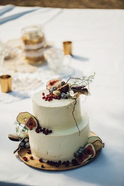 MAZZER PHOTOGRAPHICS BYRON BAY YAMBA EARTHY BRIDAL INSPIRATION FLORALS CAKE