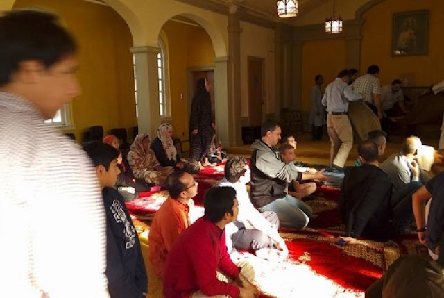 Muslim Antigonish Kanada Lakukan Salat Idul Adha di Gereja Katolik