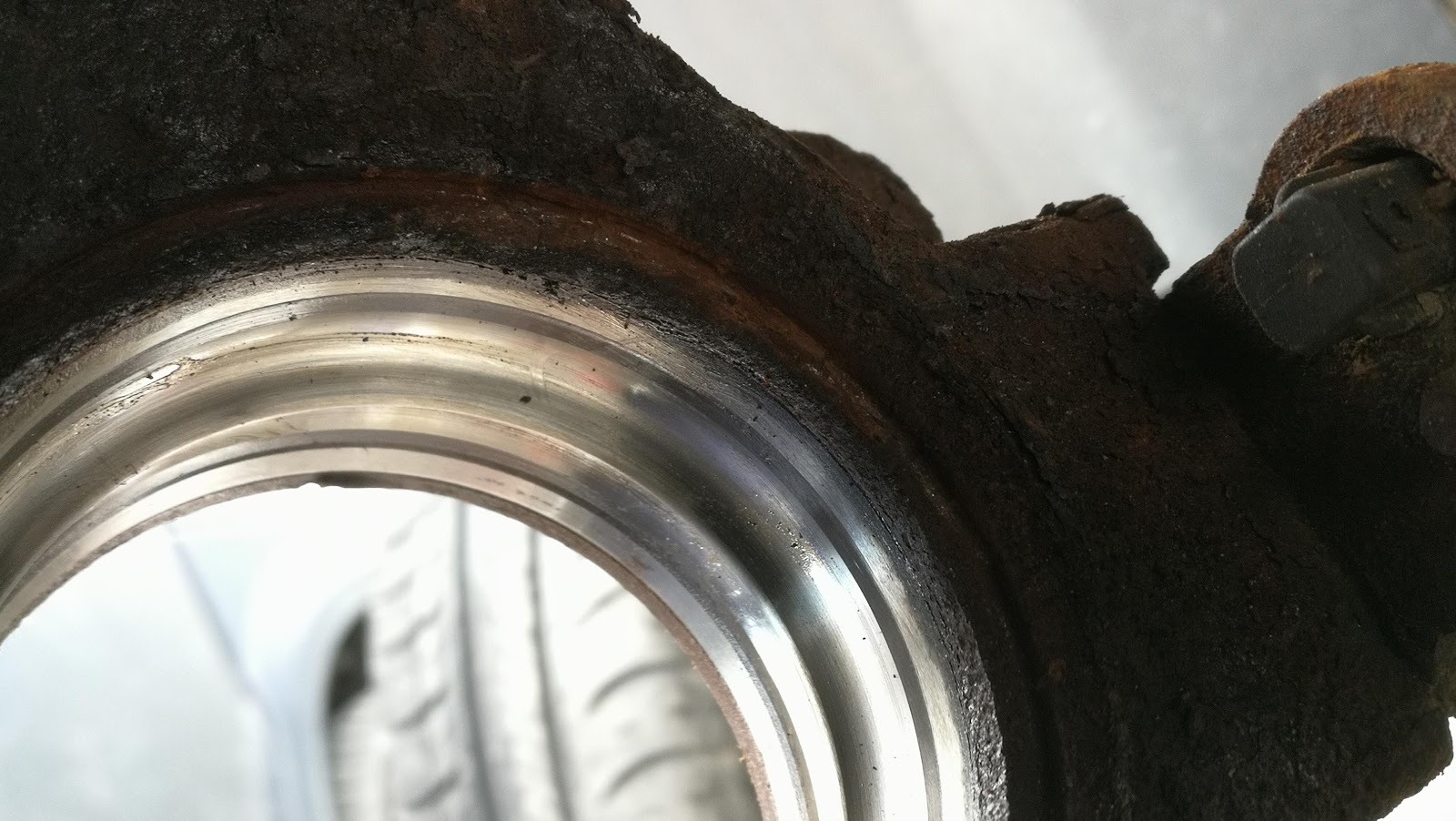 medium resolution of change of wheel bearing on a think city ev a306