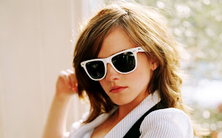Emma Watson in White Frame Sunglasses HD Wallpaper