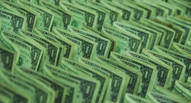 Irán e Iraq renuncian al dólar en el comercio bilateral