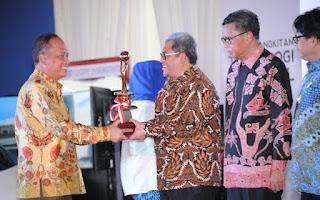 Ahmad Heryawan Anugerah Karya Iptek dan Inovasi 2016