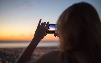 Wallpaper: Smartphone Sunset Picture Girl
