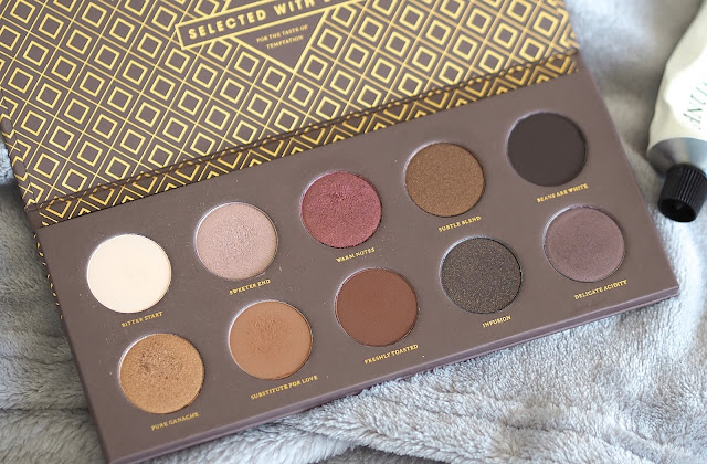 A picture of the Zoeva Cocoa Blends Eyeshadow Palette