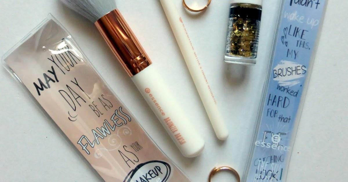 Essence: 2 кисти <b>для</b> макияжа и Универсальный глиттер | Beauty ...