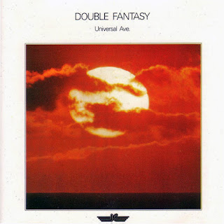 Double Fantasy - Universal Ave / source : Robert Schroeder