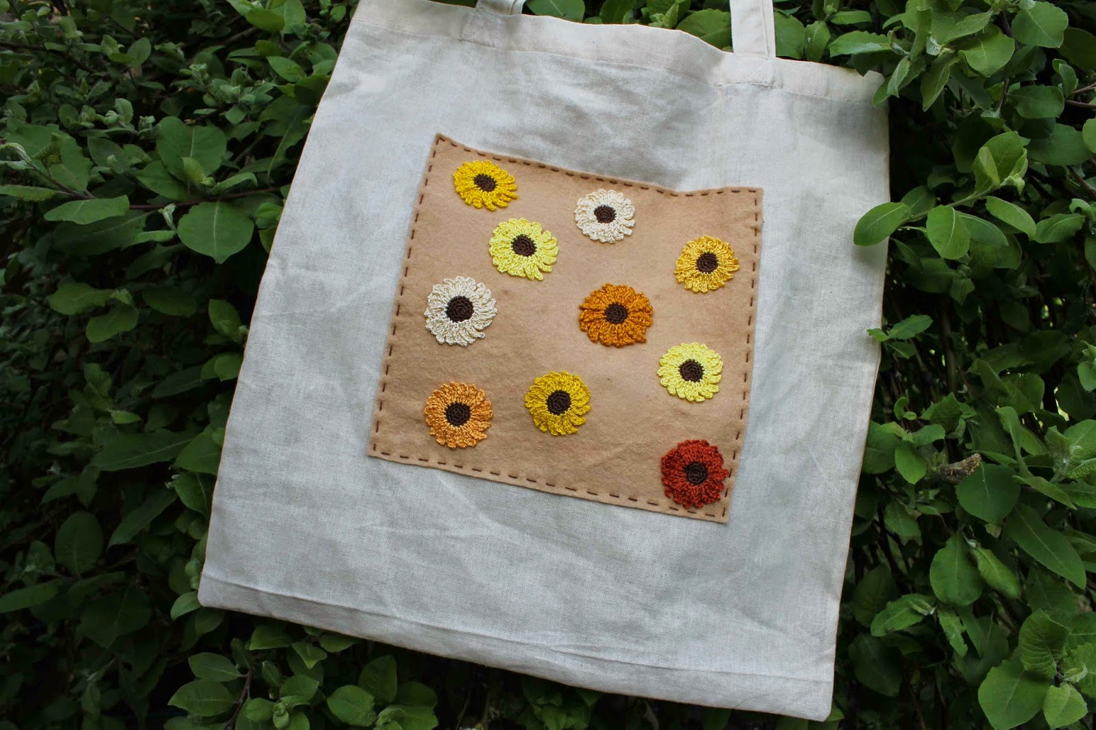 Finished crochet sunflower tote bag