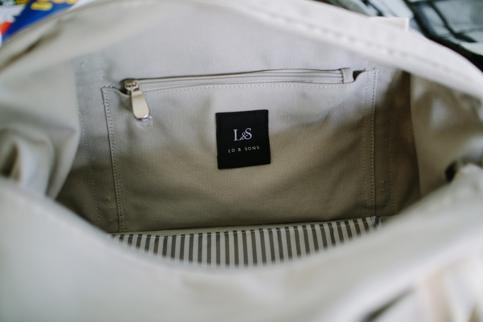 Lo and sons carry on bag