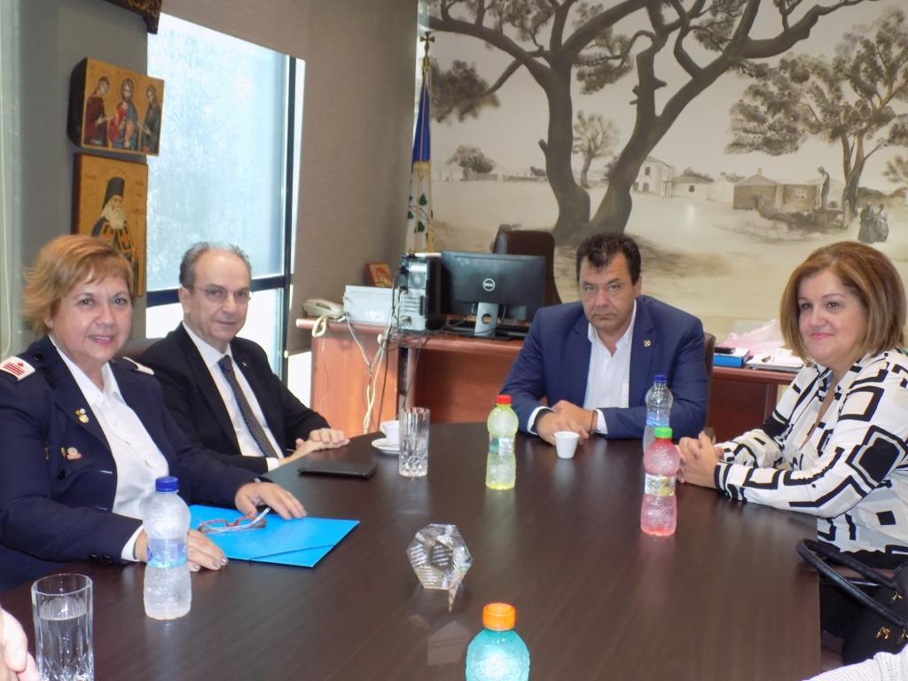 Συμφωνία Χρήστου Παππού με τον Πρόεδρο του Ερυθρού Σταυρού για αναβάθμιση  των υπηρεσιών στους δημότες 7b28cc98778