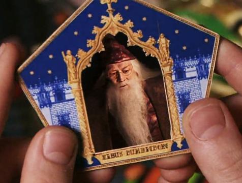 El cromo de Albus Dumbledore en Harry Potter y la piedra filosofal - Cine de Escritor