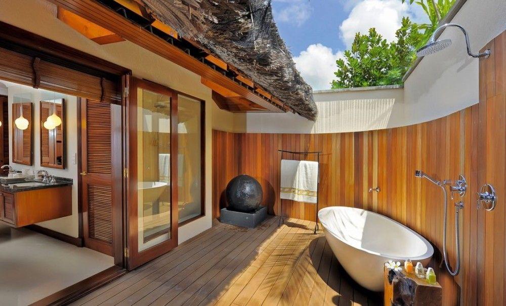 10 ba os al aire libre colores en casa for Color de pintura al aire libre casa moderna