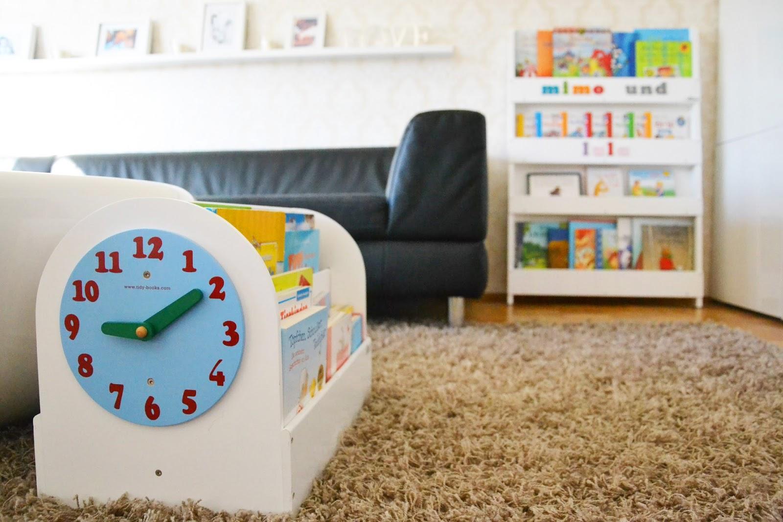 personalisiertes b cherregal a mother 39 s love. Black Bedroom Furniture Sets. Home Design Ideas
