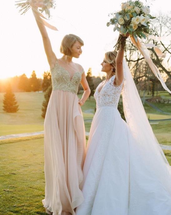 Taylor Swift, ou comment éclipser la fiancée en étant demoiselle d'honneur