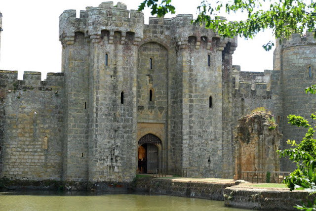 A Daytrip to Bodiam Castle and Hastings