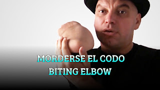 Morderse el codo, BODY ILLUSION, Biting elbow