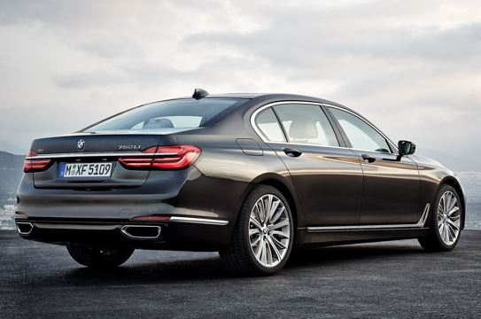 2017 BMW 5 SERIES SEDAN Reviews