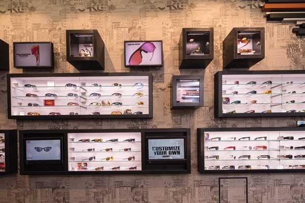 Loja de óculos escuro Oakley em San Diego