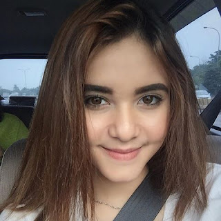 Moniq Crasivaya sebagai pemeran Dewi di Buat Aku Merinding SCTV