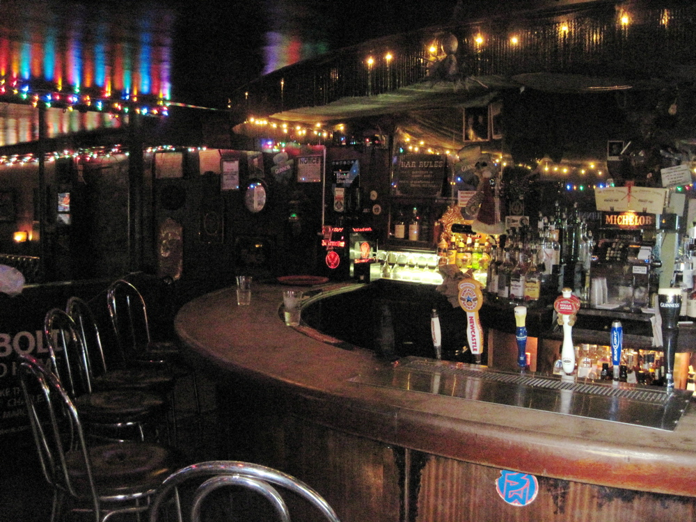 The Anatomy Of A Good Dive Bar Huffpost