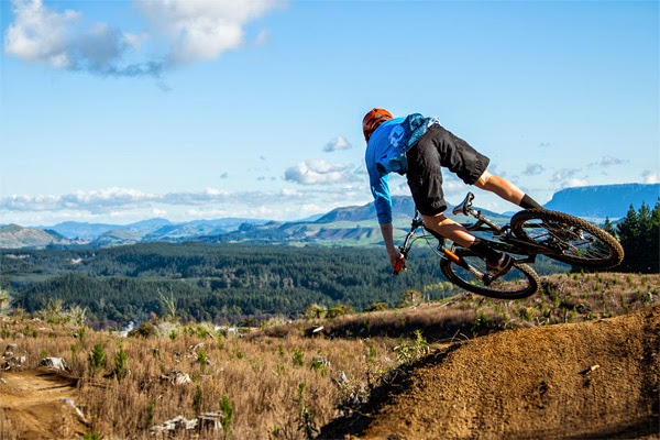 2015 Enduro World Series Teams Announced