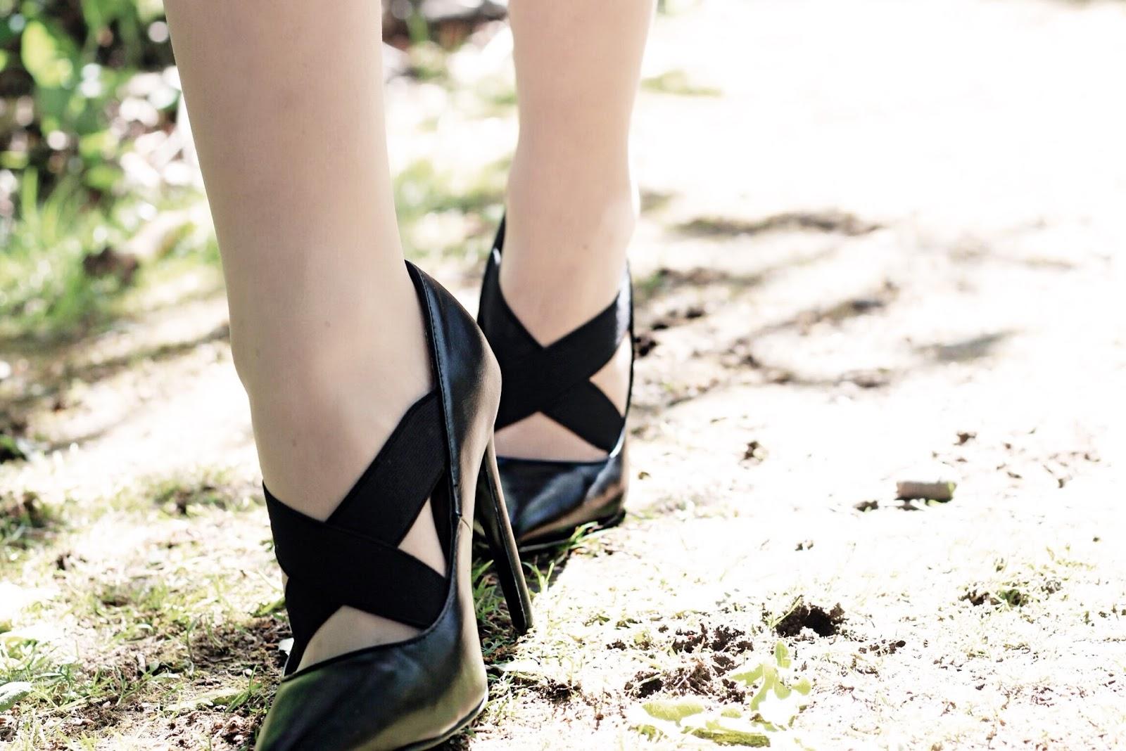 Lost Ink Black Elastic Stiletto Heels