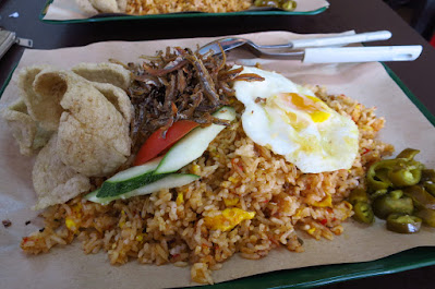Dahlia Cafe, nasi goreng kampung