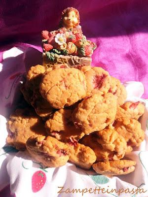 Biscotti con le fragole senza uova e senza burro - Biscotti con le fragole