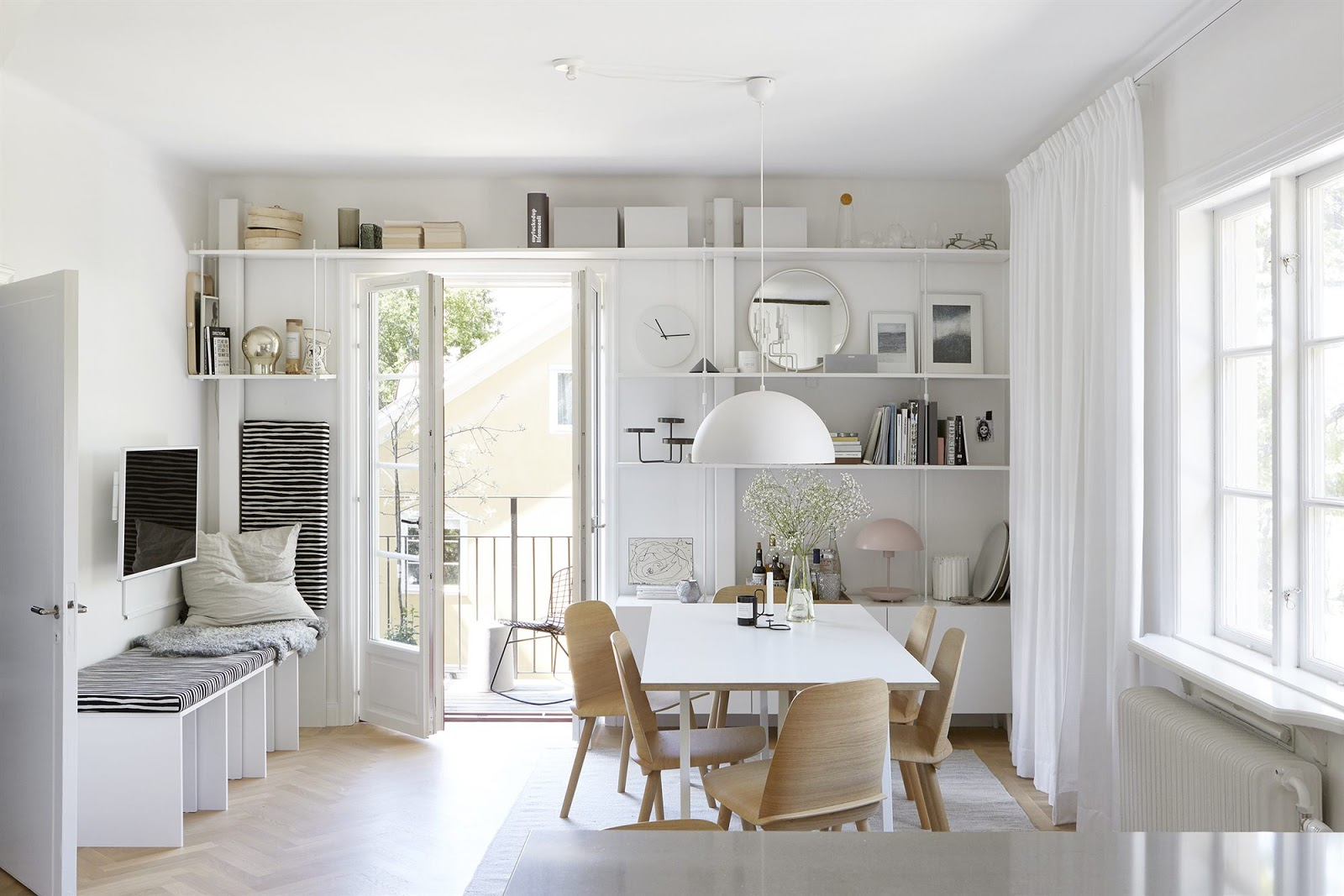 Sotto tetto arredato e decorato con stile arc art blog for Piani di casa stile scandole