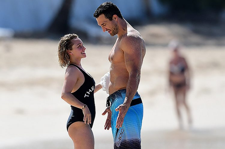Hayden panettiere and Wladimir Klitschko beach photo couple