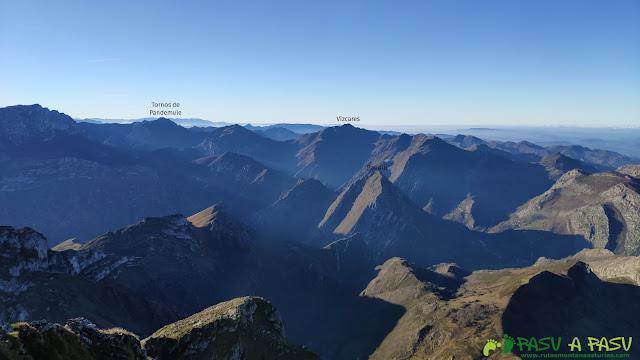 Vista del Vízares desde el Pico Pierzu