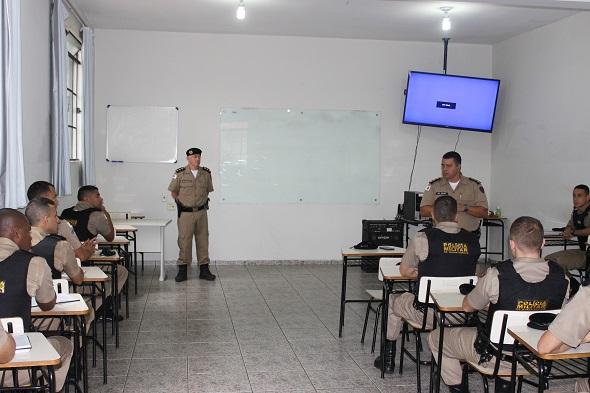 aula para cadetes da PM
