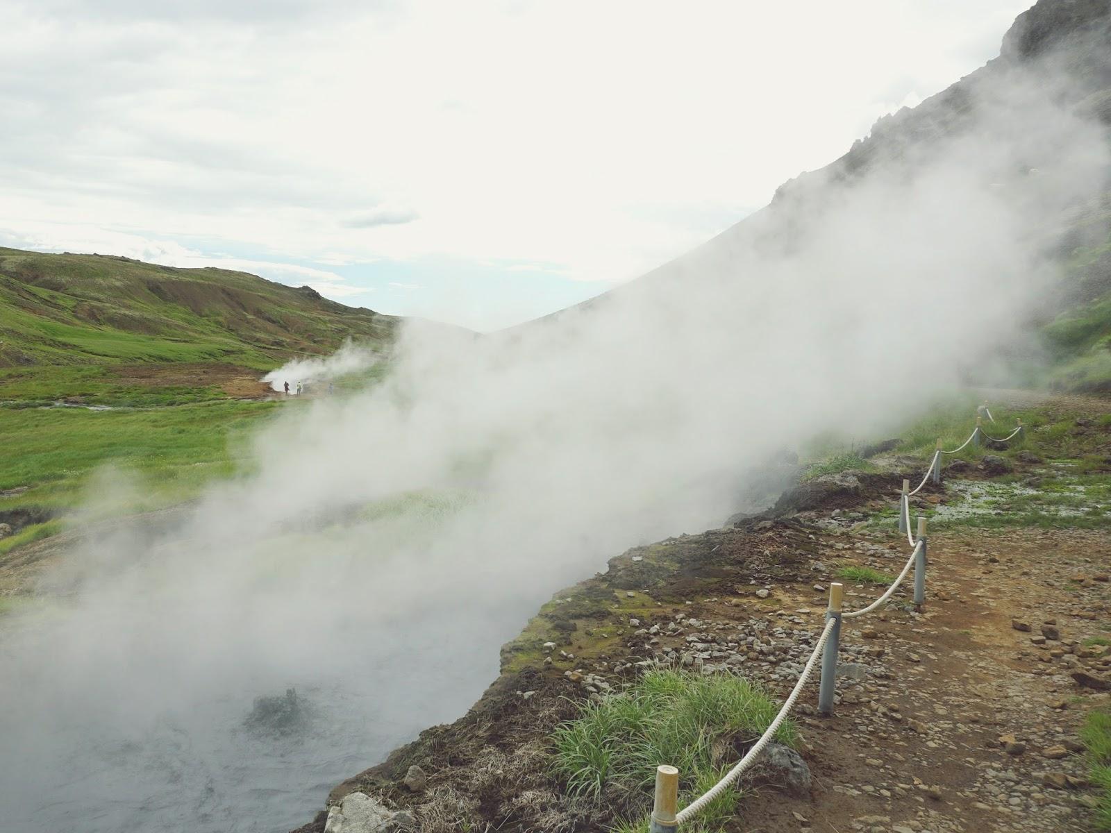 Parująca Dolina, Steam Valley, Reykjadalur, hot river, żródla geotermalne, parująca rzeka, wakacje w Islandii