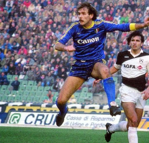 4tretre: Maglie storiche - Hellas Verona 1985